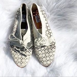 Dolce Vita   Laser Cut Leather Ivory Shoes 6
